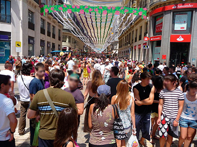 The daytime fair in the centre of Malaga - Photo by Lanzi